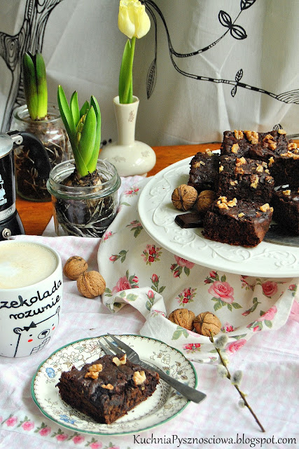 498. Zdrowe ciasto czekoladowe z burakiem i orzechami