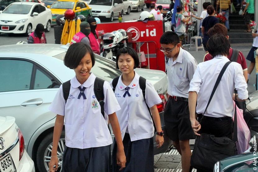 Тайские школьницы