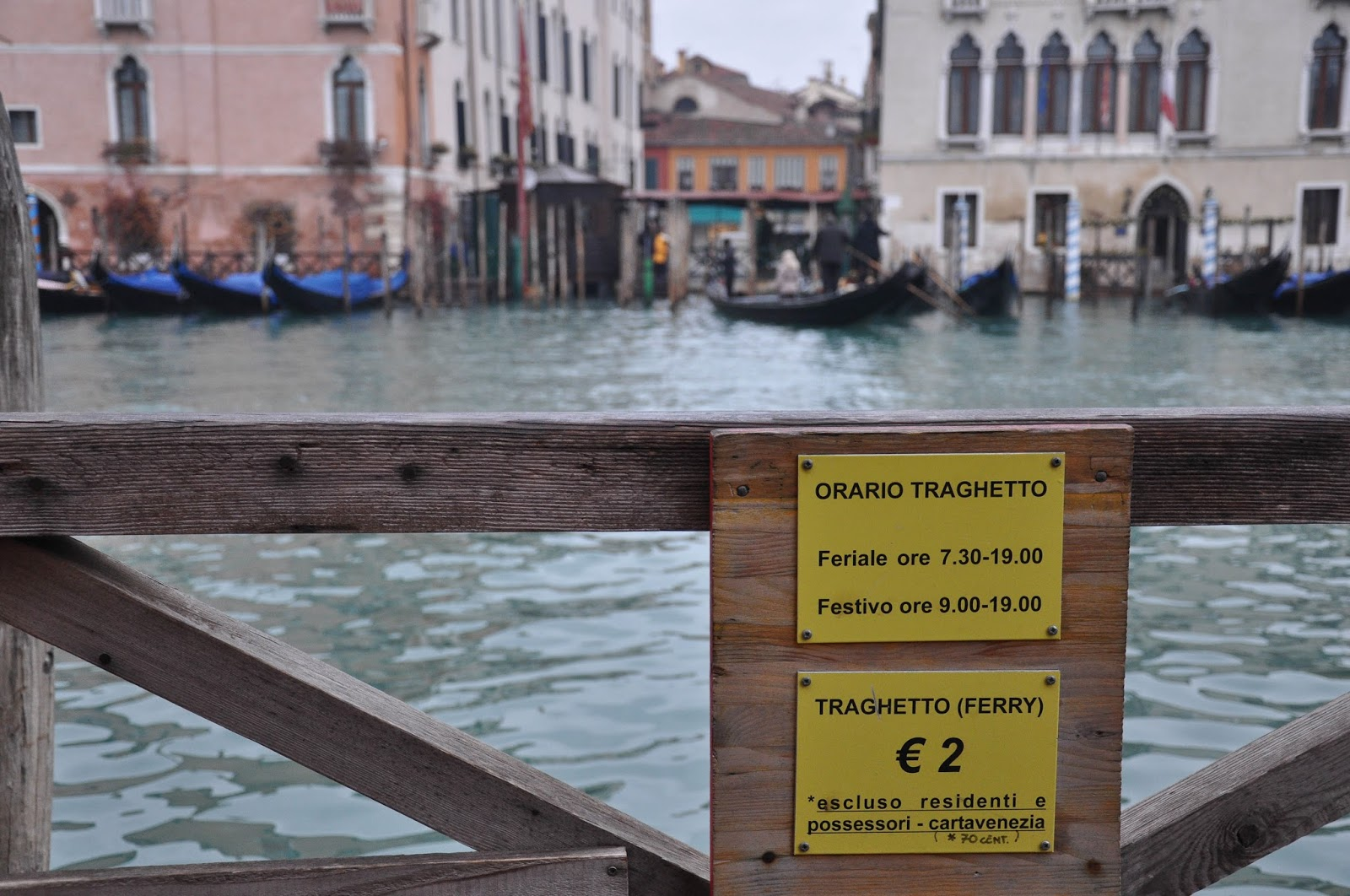 Price list and opening hours of a traghetto, Venice, Italy