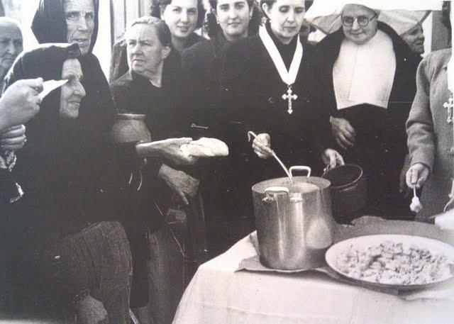 leganes_bn_V_Abuelohara_años40_reparto_de_comida