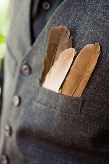Plumas para decorar el bolsillo del traje del novio