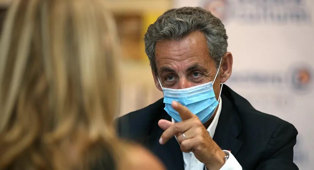 Covid-19 : Sarkozy prend la défense de Didier Raoult, un «bouc émissaire»