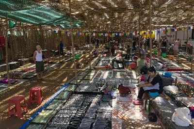 Market-in-Dona-Paula-Beach, Dona paula,dona paula beach,goa,beach,debolim-goa,karmali,Panjim,water sports in goa,nightlife in goa