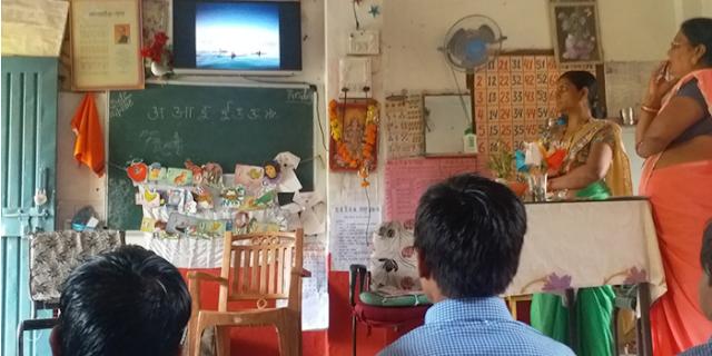 महिला शिक्षक ने अपने खर्चे पर सरकारी स्कूल को प्राइवेट से अच्छा बना दिया | MP NEWS