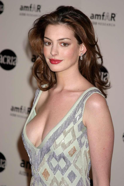 Bollywood and Hollywood updates: Anne hathway