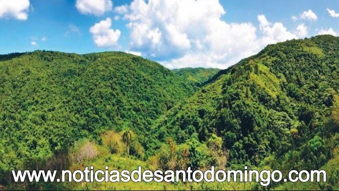 Academia Ciencias pone en circulación guía ecoturísticas del sistema área protegidas de RD