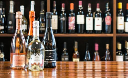 Bari: all'enoteca Vinarius rubano 150mila euro di vini e champagne... presi [NOMI+VIDEO]