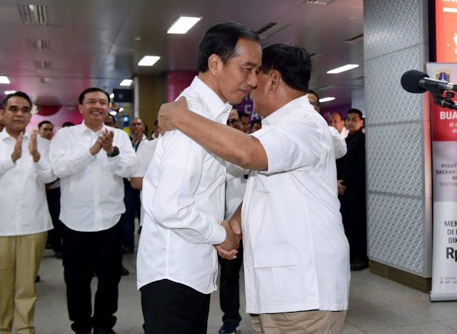 Prabowo Surati Amien Rais Sebelum Bertemu Jokowi