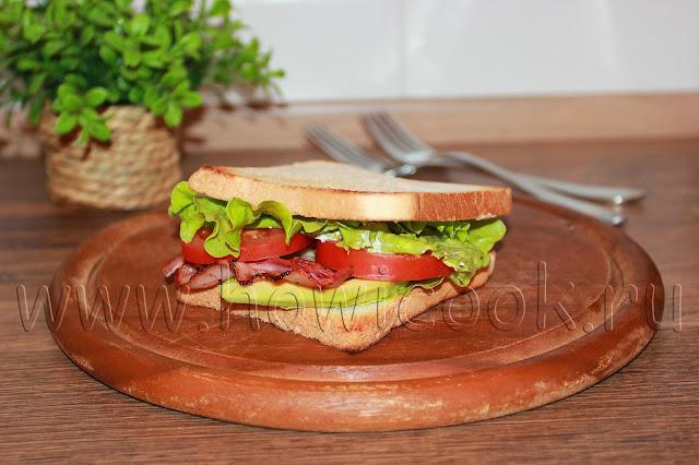 рецепт сэндвича с беконом, листовым салатом и помидором - BLT