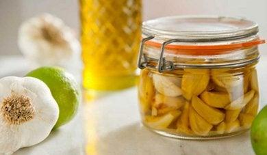 Health remedy with garlic oil