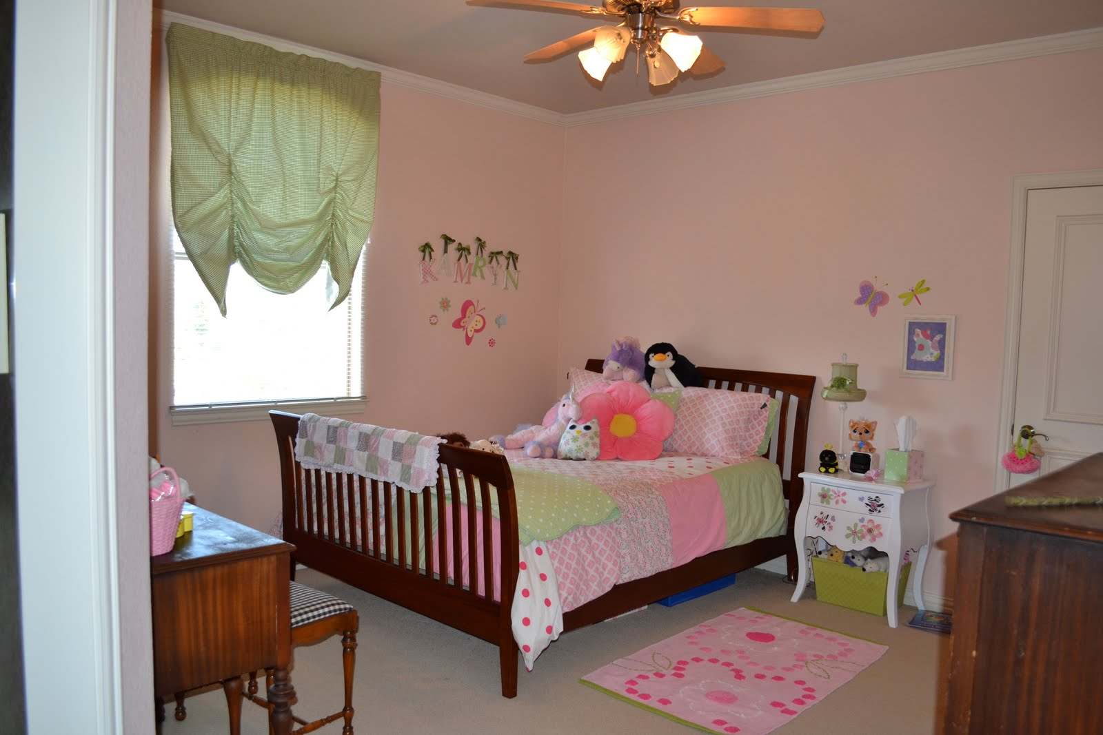 Tween girl 39 s room reveal lilacs and longhornslilacs and longhorns - Years old girl bedroom ...