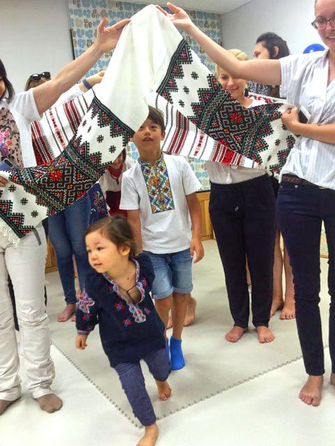 Ми представляємо нашу культуру, традиції, викладаємо українську, проводимо паради вишиванок