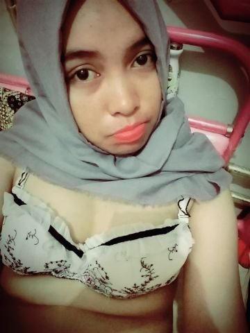 abg jilbab selfie sexy