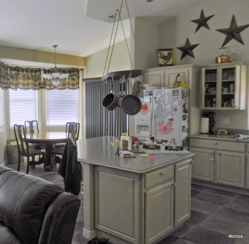 Painting Kitchen Cabinets With Annie Sloan: Momza's House: Annie Sloan Painted Kitchen Cabinets