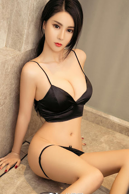 Hot and sexy big boobs photos of beautiful busty asian hottie chick Chinese booty model Yi Bai photo highlights on Pinays Finest Sexy Nude Photo Collection site.