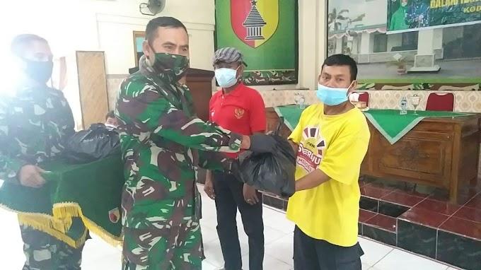 Bagikan Bantuan Sembako ,Petugas Pengali Kubur dan Kaum Disabilitas ,Sebagai Motivasi Sosial Di Tengah Pandemi Covid -19.