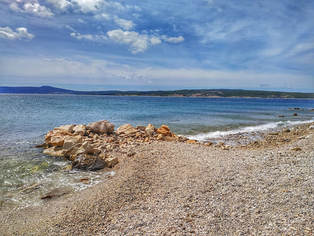 plaże na północnej części Chorwacji, żwir, zatoki do pływania