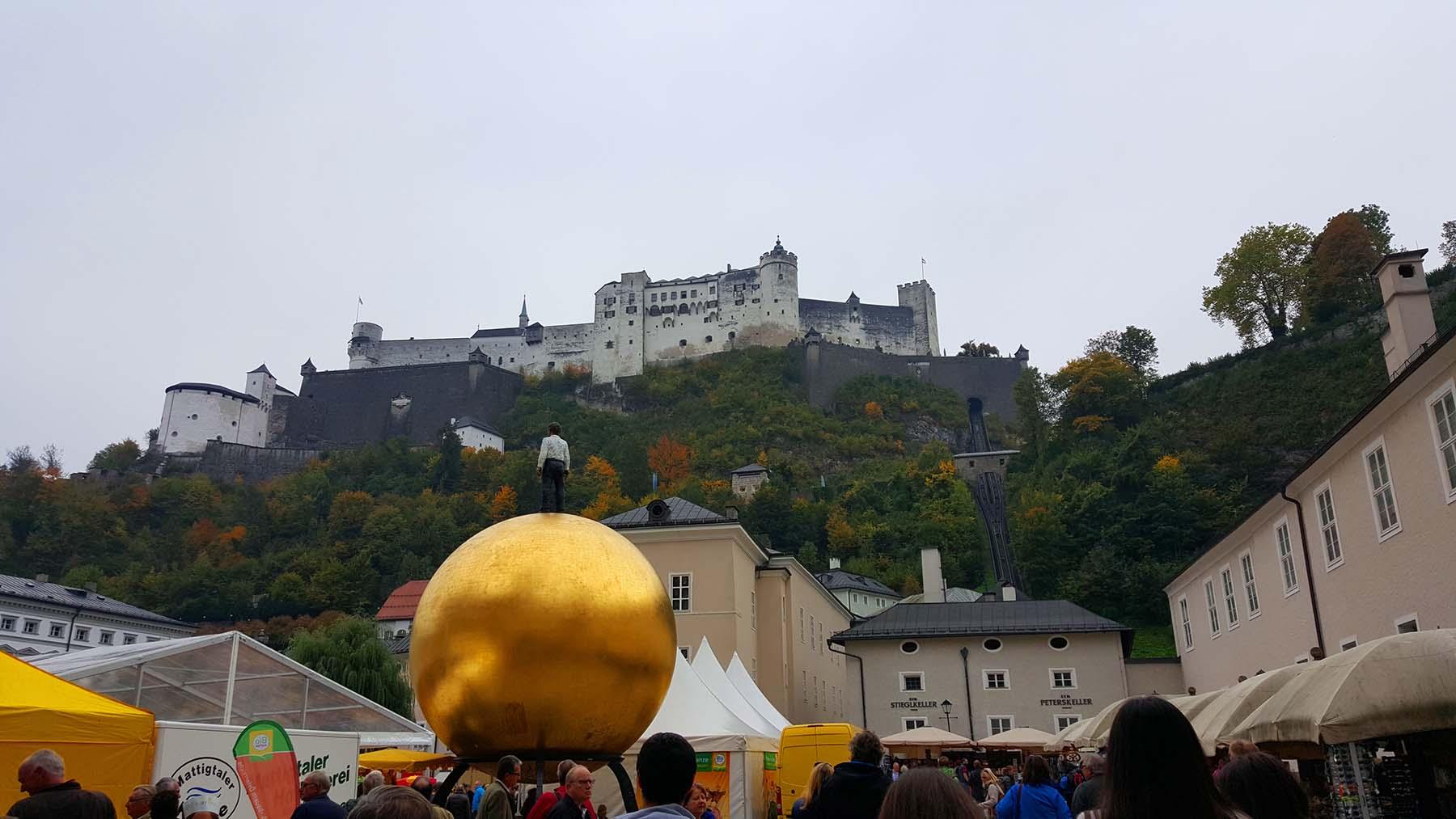 Sphaera na Kapitelplatz, Salzburg