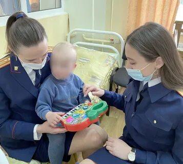 В Калининграде в жилом доме на улице Левитана на лестничной клетке нашли избитого годовалого ребенка