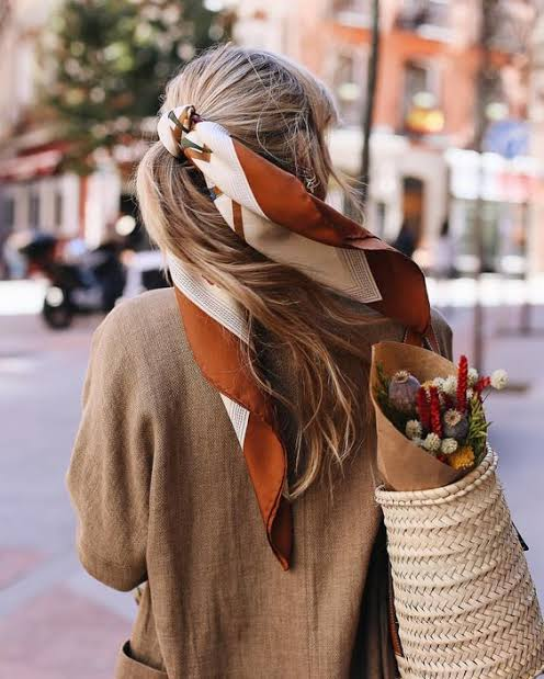 Learn 7 Cool Ways To Tie A Scarf This Fall As A Girl