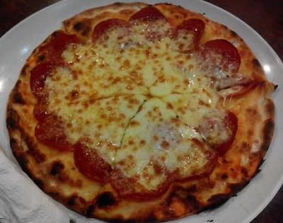 Pizza kayu bakar kedai kita