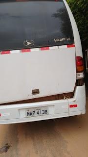 Motorista colide carro no ônibus de Zequinha Ribeiro em Lago do Junco