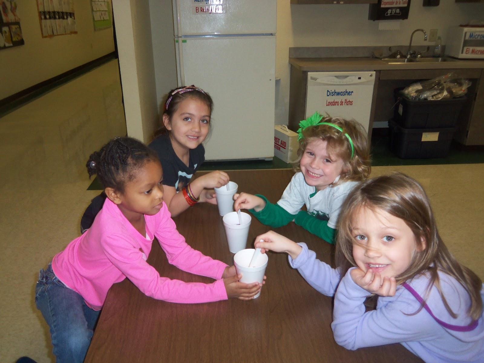 Kinder Garden: Mrs. Wood's Kindergarten Class: Easter Eggs