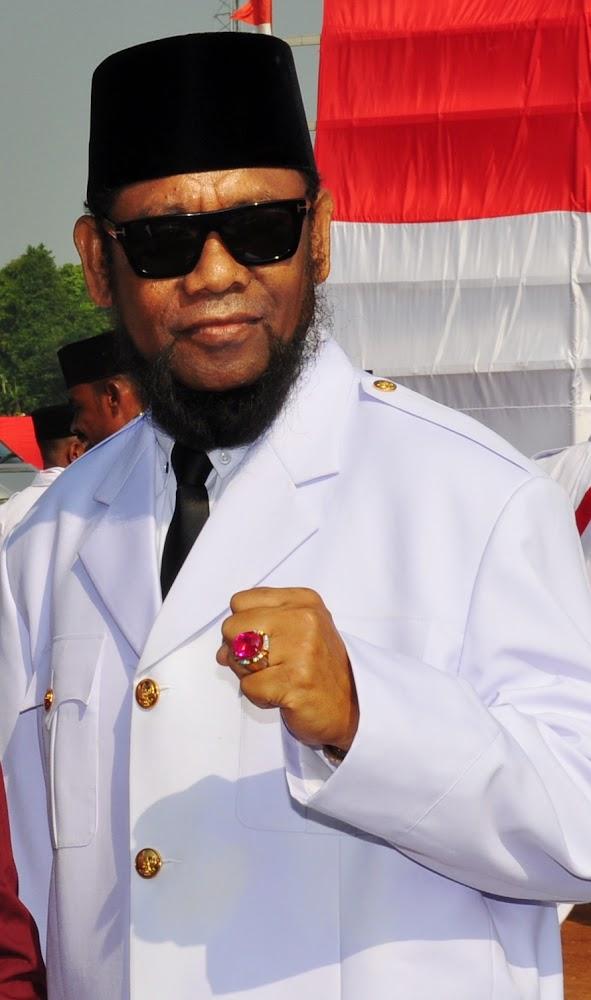 Pimpinan Pondok Pesantren Nuu Waar AFKN Ustadz Fadzlan Garamatan