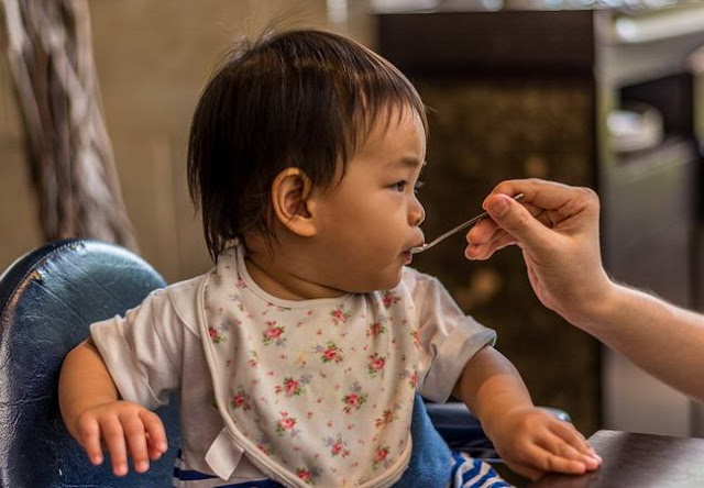 Jenis-jenis Makanan Untuk Bayi 6 Bulan dan Pantangan yang Harus Dihindari