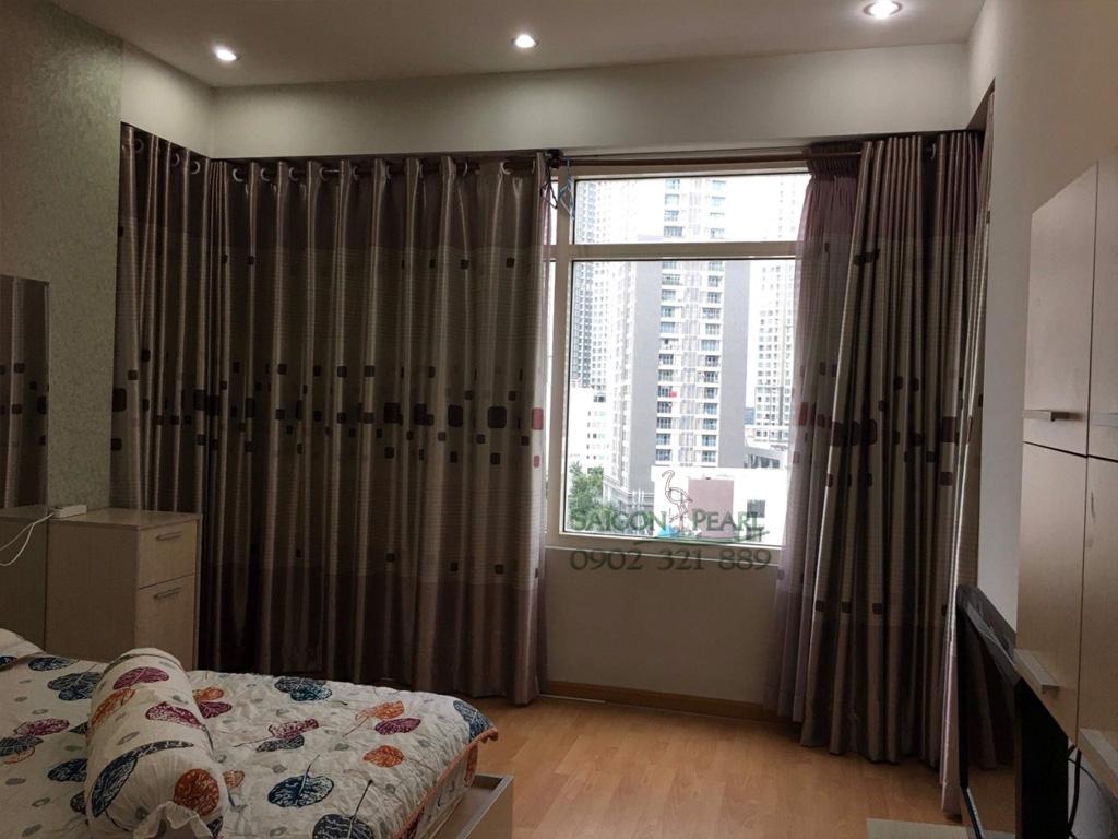 Topaz 2 Saigon Pearl cho thuê căn hộ 86m2 full nội thất tầng thấp giá rẻ - phòng ngủ chính có cửa sổ