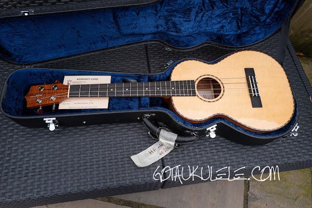 Kamaka HF-4DS Baritone Ukulele case