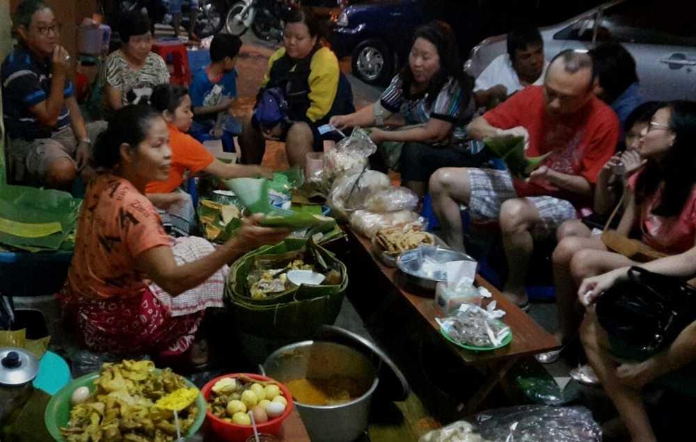 Tempat Makan Nasi Liwet Paling Enak di Solo (chganis.blogspot.com)