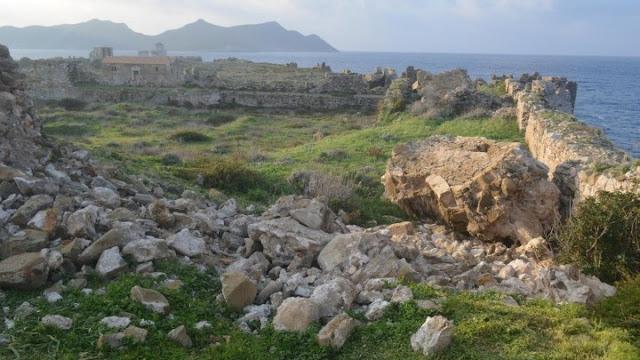 Κατέρρευσε τμήμα πύργου στο κάστρου της Μεθώνης