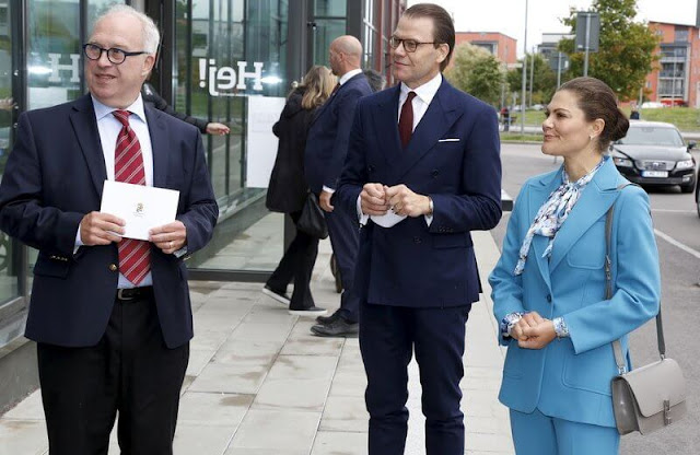 Crown Princess Victoria wore a new royal blue suit. The Princess wore a rose-garden print blouse by Camilla Thulin