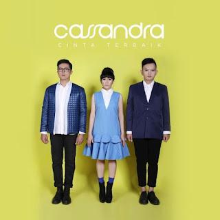 Lirik Lagu Cassandra - Tetap Menjadi Milikmu - Cover Album