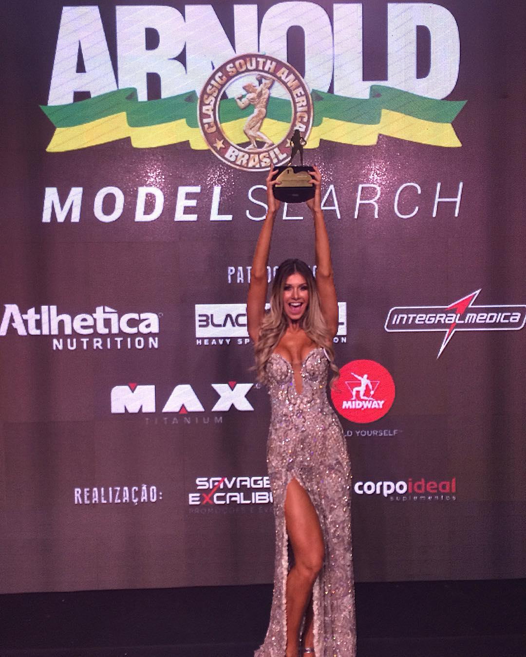 A ex-BBB Tatiele Polyana foi a Campeã do Arnold Model Search 2017. Foto: Arquivo Pessoal