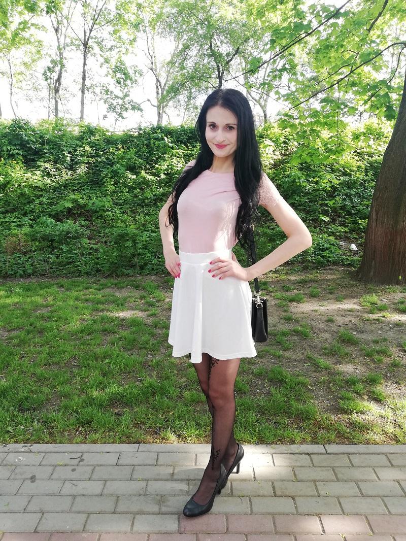 Sinsay rokloszowana biała spódnica