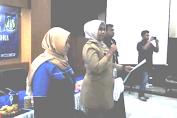 Lurah Tambora Hj.Dwi Kurniasih Melantik Pengurus Karang Taruna Periode 2017-2020