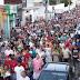 Em Picuí-PB, multidão de fiéis participam da procissão de São Sebastião.