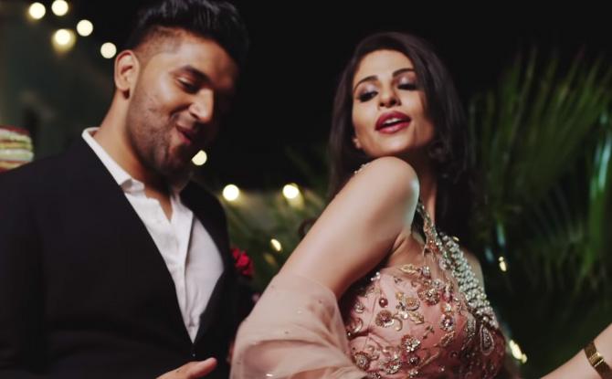 kritika sobti actress suit suit music video guru randhawa