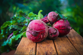 Amazing Benefits of Beetroot for Health, Hair and Glowing Skin in hindi