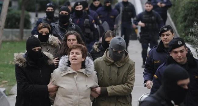 Ισόβια και 25 χρόνια κάθειρξη στην συμμορίτισσα Πόλα Ρούπα για δύο βομβιστικές επιθέσεις
