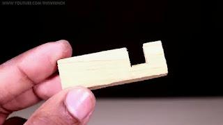 membuat stand smartphone sendiri dari potongan kayu