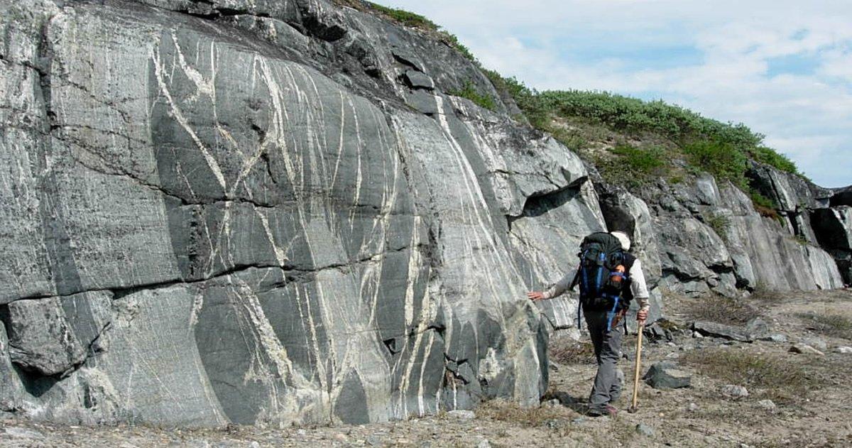 Hallan en Canadá restos de corteza terrestre con más de 4.000 millones de años de antigüedad
