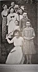 Zofia i Jan Skąpscy z dziećmi i innymi - Brzezna
