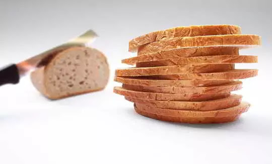 If You Eat Bread Daily in Breakfast, Then Keep These Things in Mind Before Eating