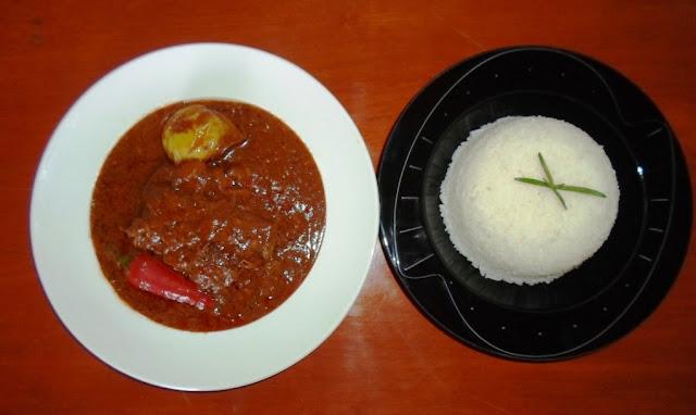 A la découverte du Mafé ou sauce arachide sénégalais :   Cuisine, mafé, riz, sauce, arachide, poulet, viande, gombos, recette, plat, repas,  LEUKSENEGAL, Dakar, Sénégal, Afrique