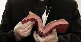 Dalam Waktu Kurang Dari 2 Menit Santri ini Membuat Pendeta Mati Kutu