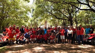 Proprietários de MP Lafer, suas companheiras e amigos do Clube MP Lafer Brasil reunidos no fim de mais uma ano, que encerra também uma década.