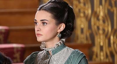 تقرير عن الممثلة التركية هاندا سورال Hande Soral